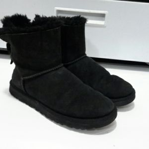 ❤❤💕UGG BOOTS SIZE 9❤❤💕